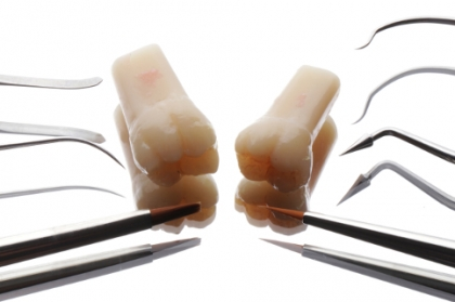 Dentisteria: Restaurações diretas de dentes posteriores com resinas compostas: como biomimetizar a natureza (hands-on)